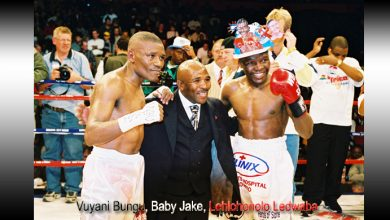 Photo of Vuyani Bungu, Welcome Ncita and Lehlohonolo Ledwaba – Legends of the junior featherweights.