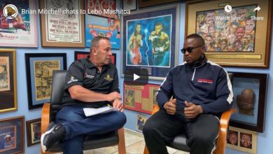 Photo of Brian Mitchell chats to Lebo Mashitoa